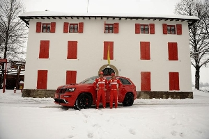 New 2012 Jeep Grand Cherokee SRT8 SUVs Will Sport Ferrari Red for Formula One Stars Fernando Alonso and Felipe Massa