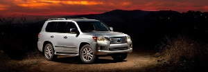 2015 Lexus LX 570 Goes Where Other Luxury SUVs Don't Dare, and Goes There With Utmost Luxury