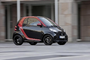 At dealers from May 2012 - A sharp mix of colours: smart fortwo sharpred
