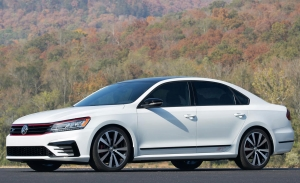 Volkswagen Unveils Passat GT Concept At Automobility La