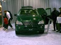 2001 Mercedes-Benz ML 430 image.