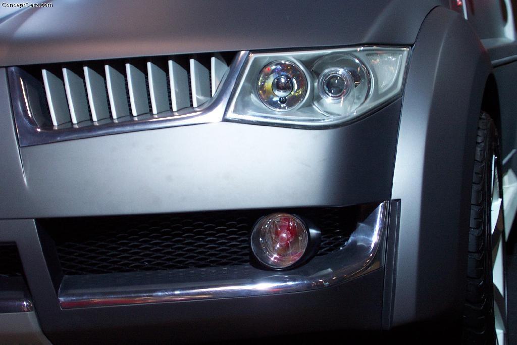 2002 Mitsubishi Montero Evolution Image