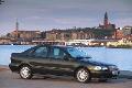 2000 Volvo S40 image.