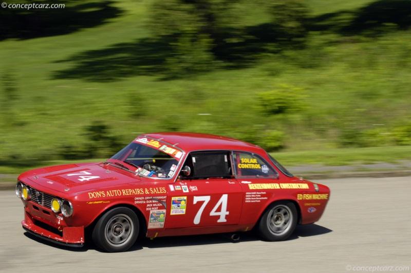 Us Grand Prix >> 1972 Alfa Romeo 2000 GTV Image. Photo 34 of 167