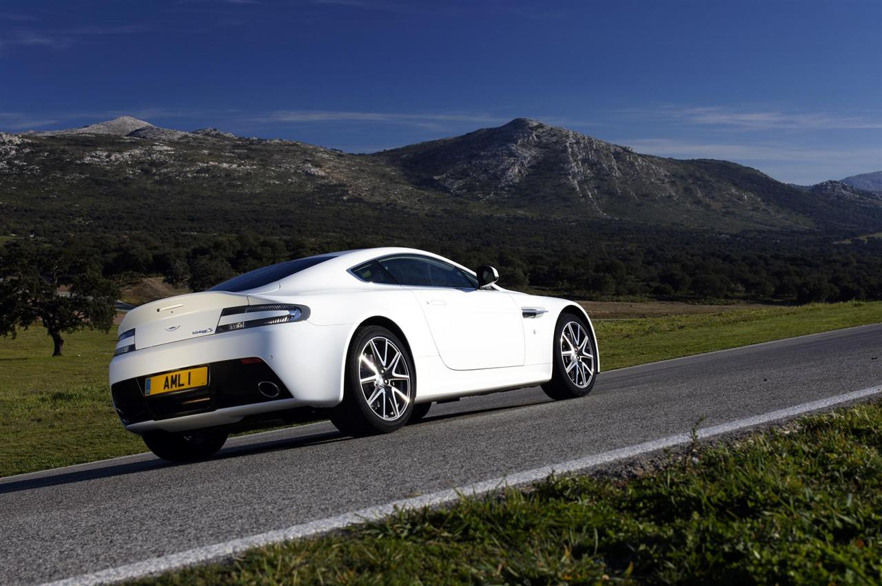 Wallpaper 15 also 268789 V12 N420 Side Skirts together with Interior 51292609 furthermore 2011 Aston Martin V8 Vantage S photo additionally 2010 Edo  petition Db9 To Dbs Program photo. on aston martin v8 vantage n420
