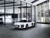 2016 Audi V10 plus selection 24h image.