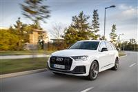 Popular 2020 Audi Q7 TFSI e quattro Wallpaper