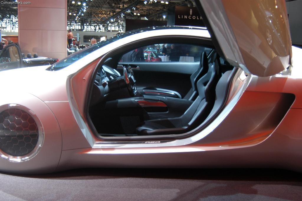 2004 Audi Rsq Concept Image Https Www Conceptcarz Com