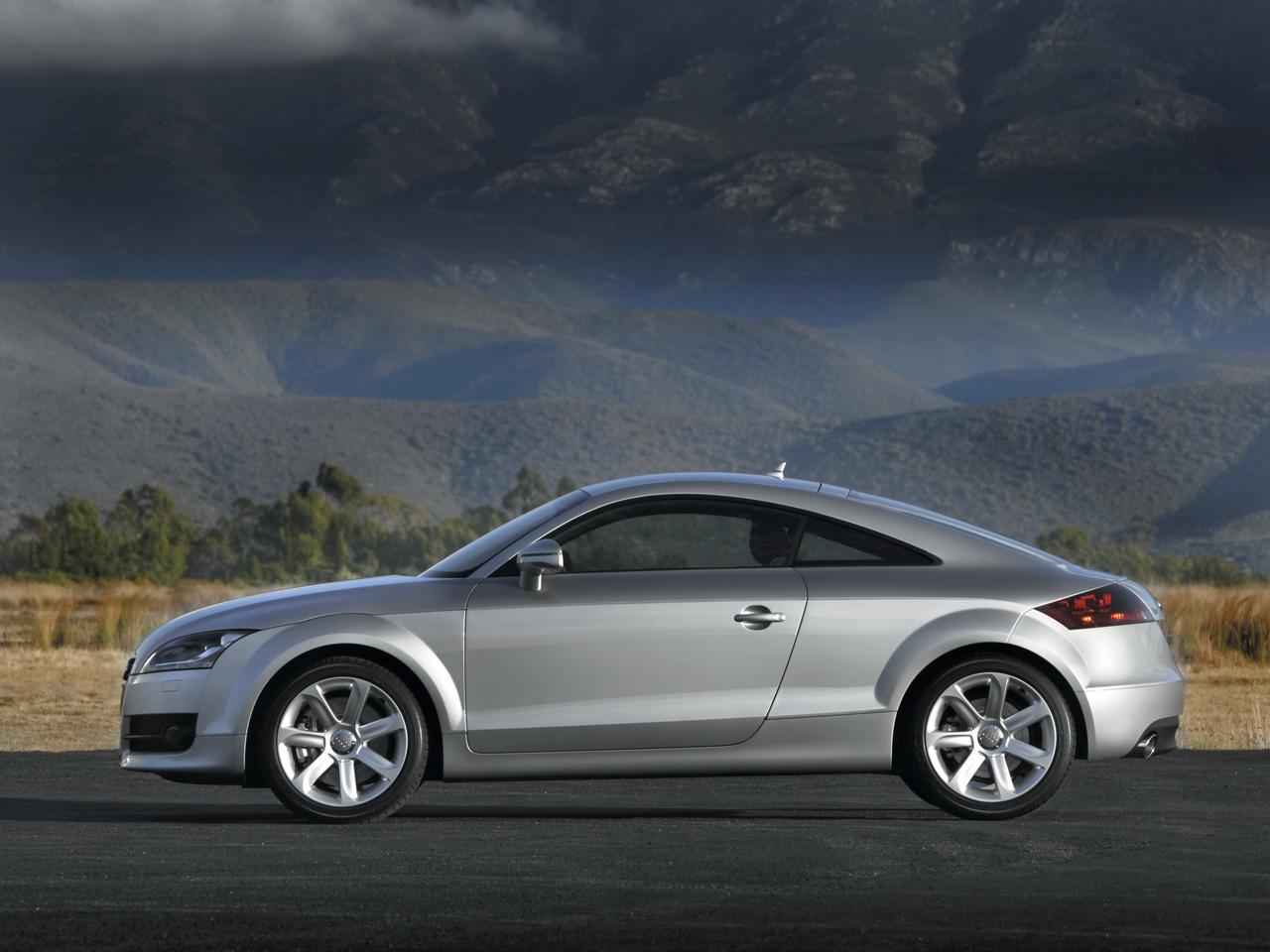 2010 Audi TT RS thumbnail image