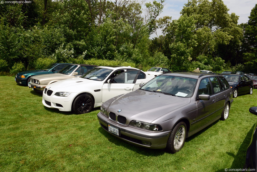 2000 BMW 528i Touring Review - YouTube