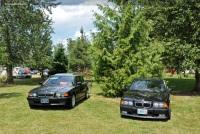 2000 BMW 740 image.