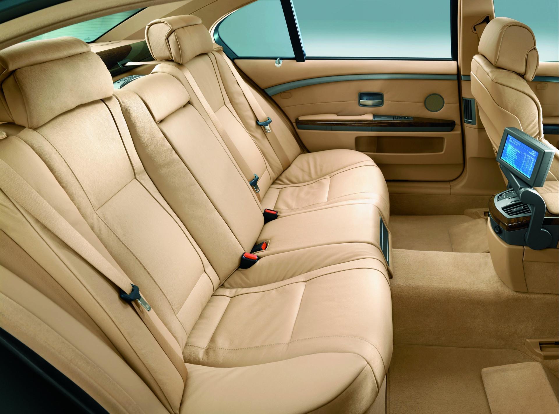Bmw 7 series 2009 rear seats бесплатно