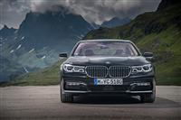 2016 BMW 740e image.