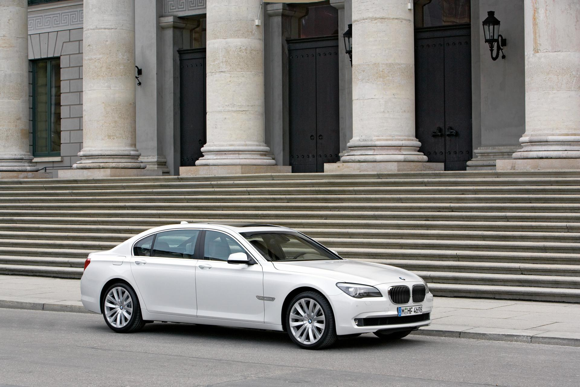 2009 Bmw 760li News And Information Conceptcarz Com
