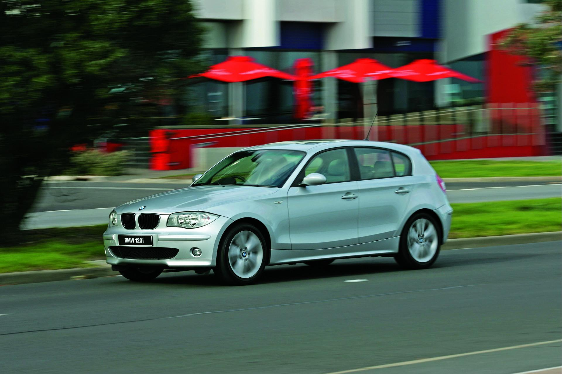 2009 bmw 1 series news and information. Black Bedroom Furniture Sets. Home Design Ideas