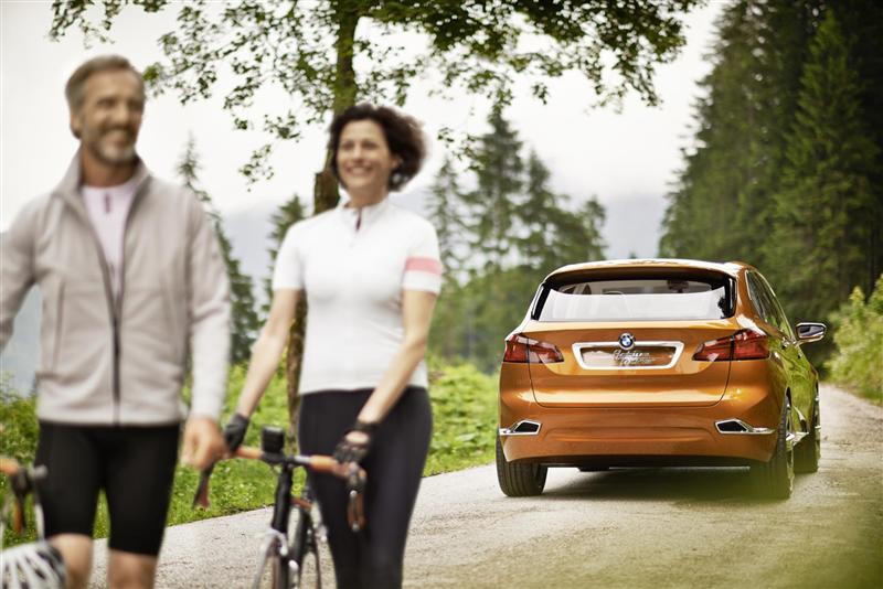 2013 BMW Active Tourer Outdoor Concept