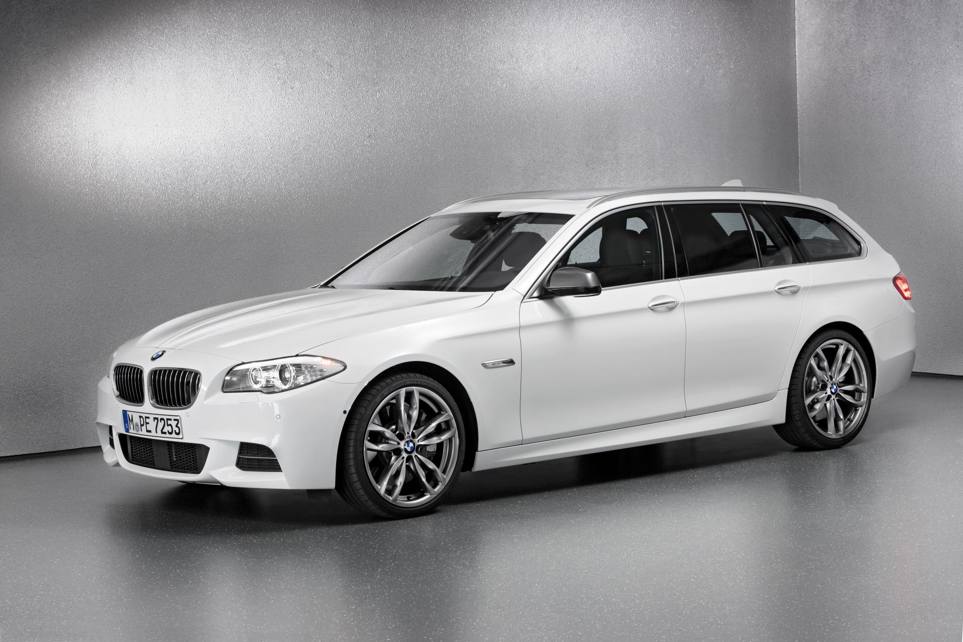 2012 bmw m550d xdrive touring news and information. Black Bedroom Furniture Sets. Home Design Ideas