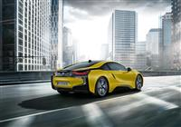 Image of the i8 Frozen Yellow Edition