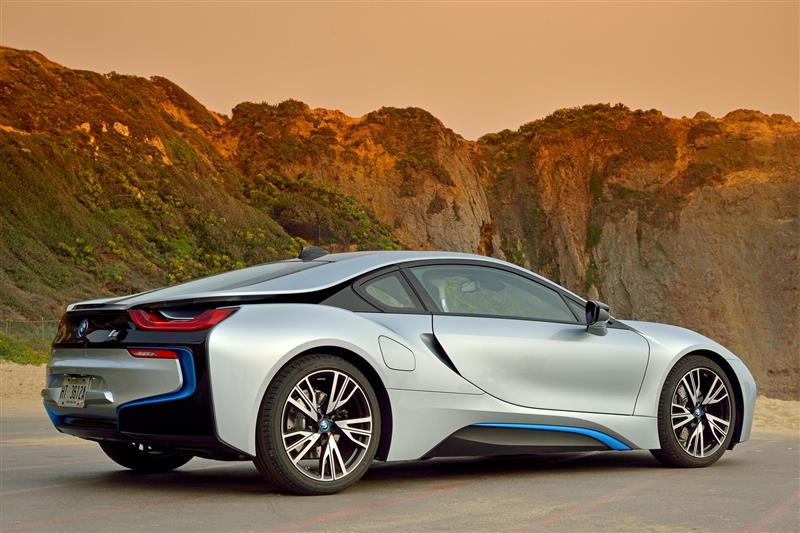 BMW i8 pictures and wallpaper