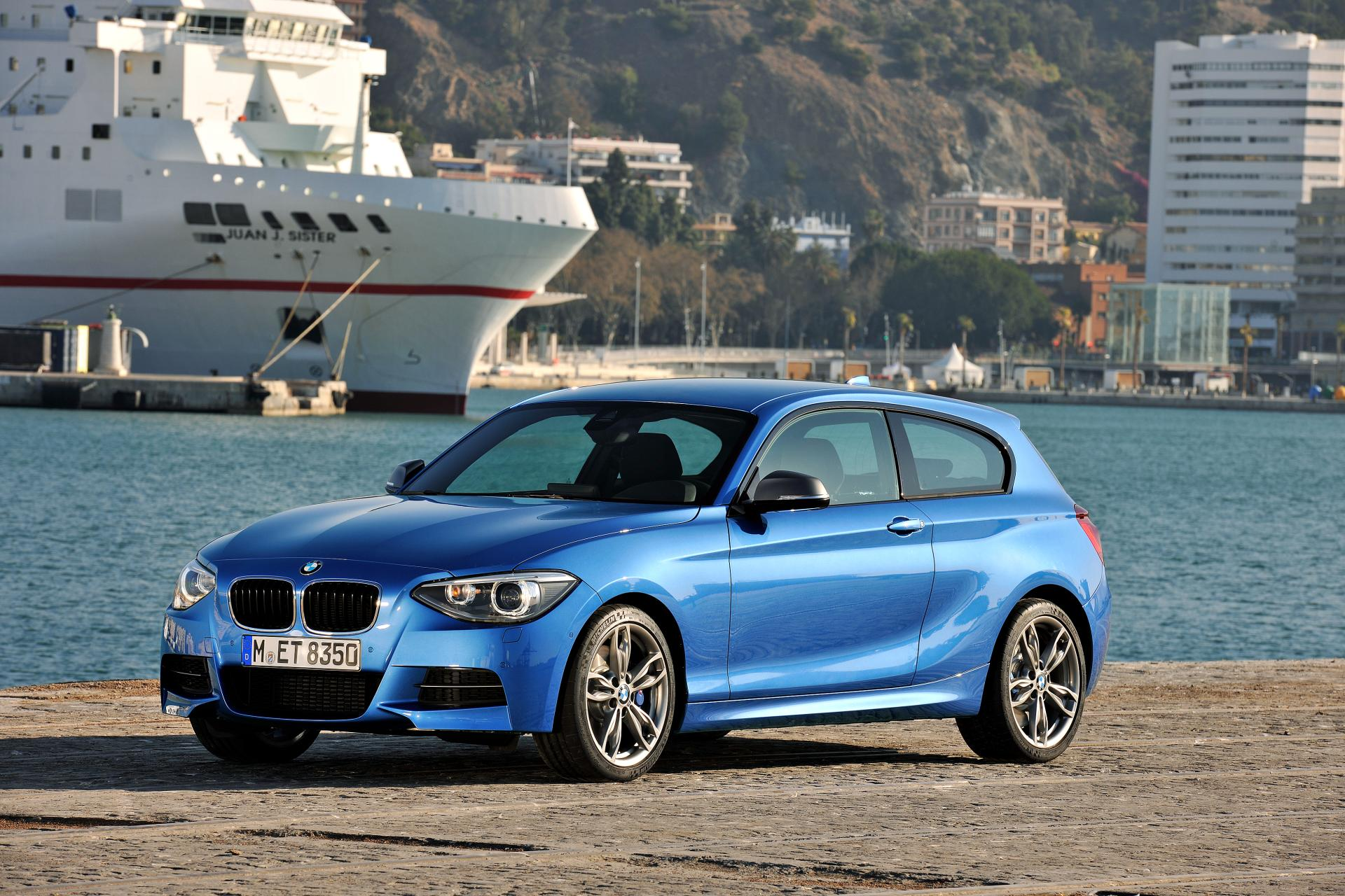 2013 bmw m135i news and information. Black Bedroom Furniture Sets. Home Design Ideas