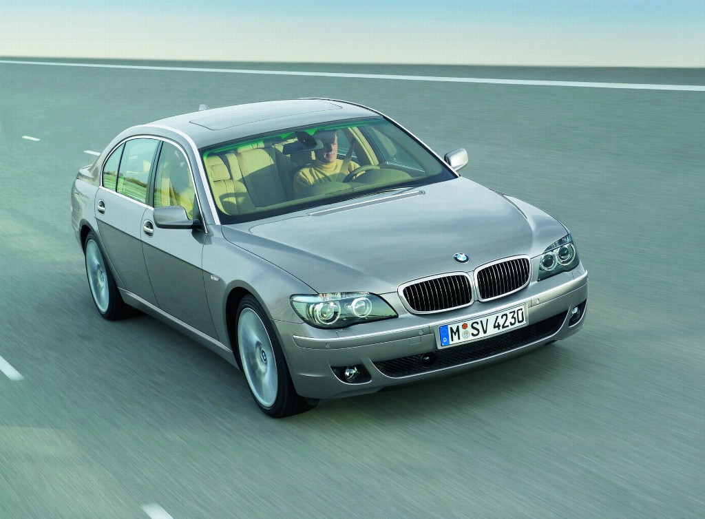 BMW Series Pictures History Value Research News - 2007 bmw 750il