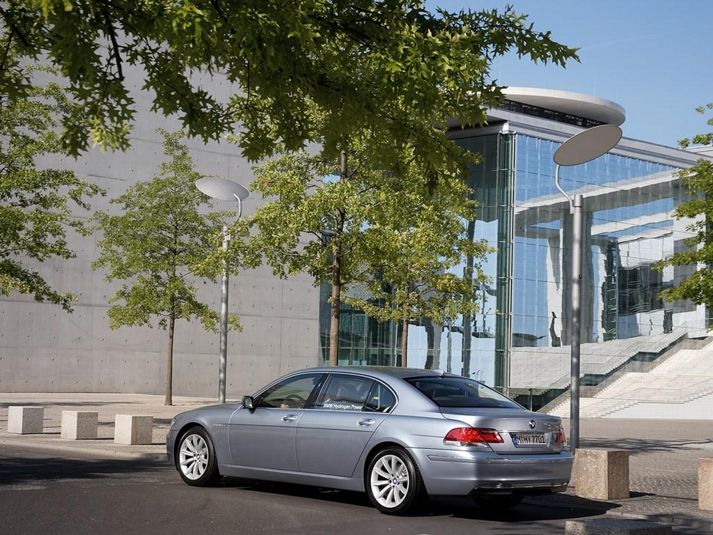 2007 BMW Hydrogen 7 Series Image. https://www.conceptcarz.com/images ...