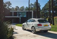 Popular 2018 Bentley Bentayga Hybrid Wallpaper