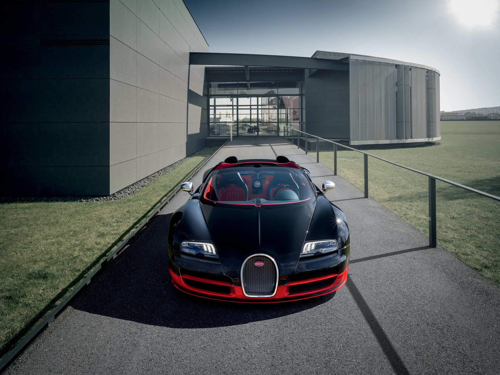 12-Bugatti-Veyron-Black-and-Red-01 Extraordinary Bugatti Veyron Grand Sport Vitesse Cars Trend