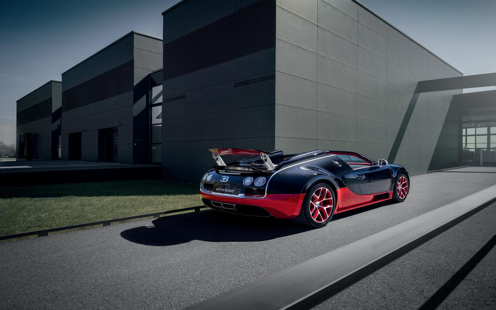 2012 Bugatti Veyron Grand Sport Vitesse Black and Red ...