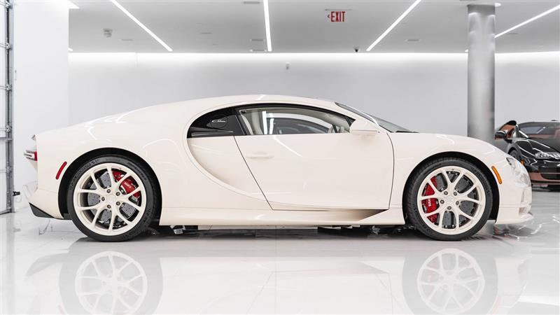 2021 Bugatti Chiron habillé par Hermès