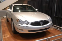 2005 Buick LaCrosse image.