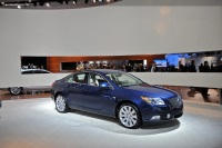 2011 Buick Regal image.