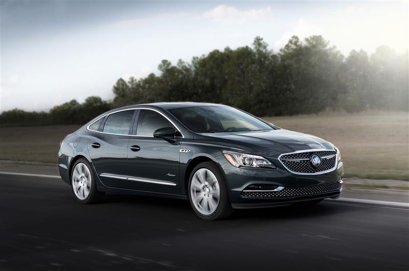 Buick LaCrosse Avenir pictures and wallpaper