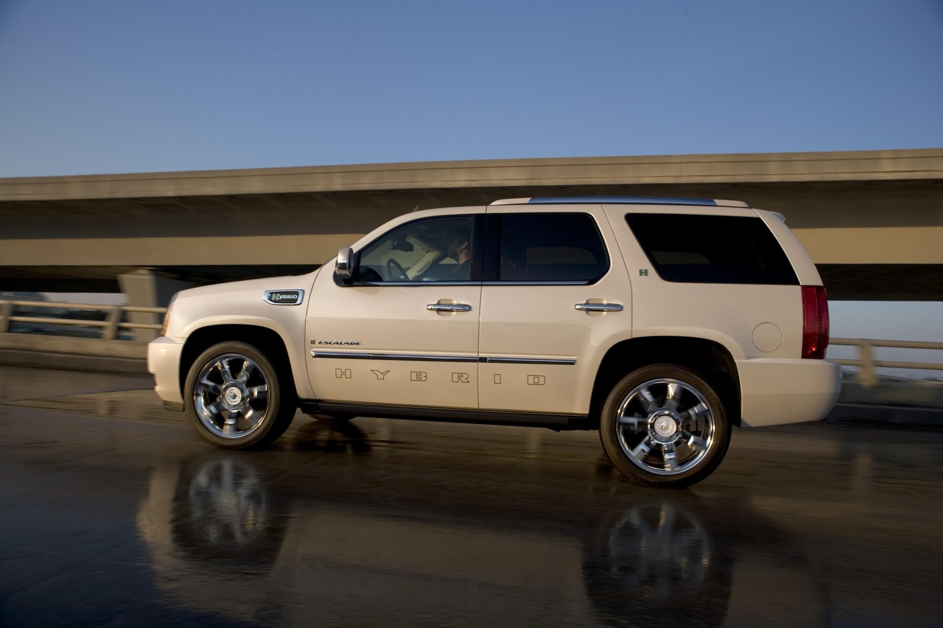 2010 Cadillac Escalade Hybrid News and Information