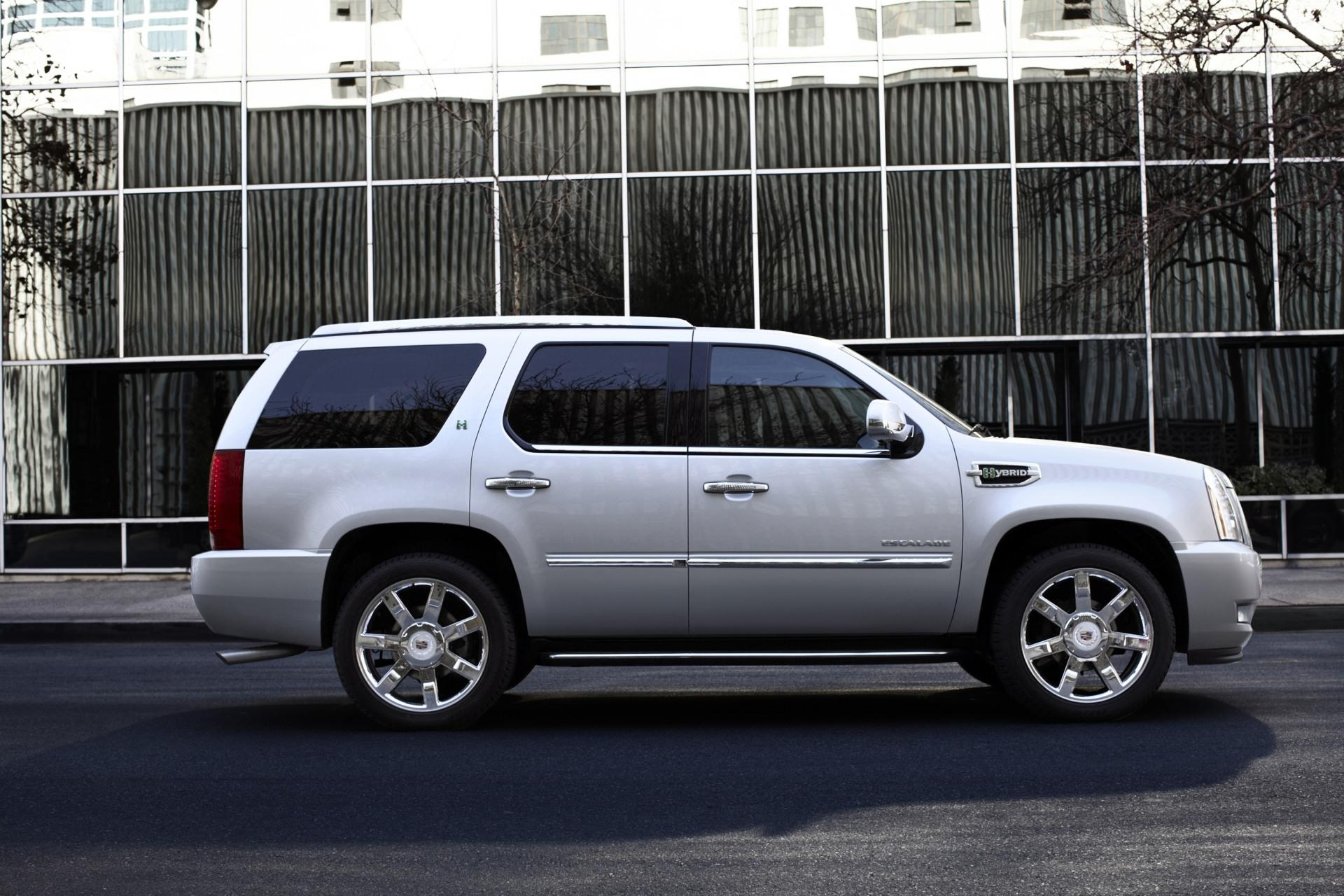 2011 Cadillac Escalade News and Information