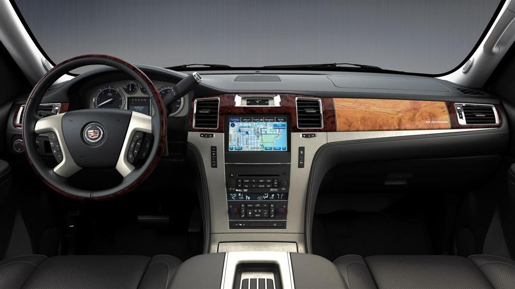 2013 Cadillac Escalade News And Information