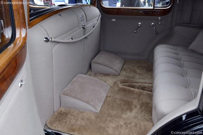 1937 Cadillac Series 90 V16