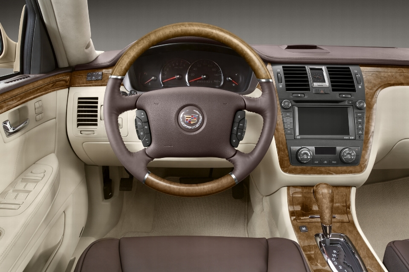 2008 Cadillac DTS Image. https://www.conceptcarz.com/images/Cadillac