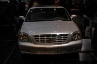 2003 Cadillac DeVille image.