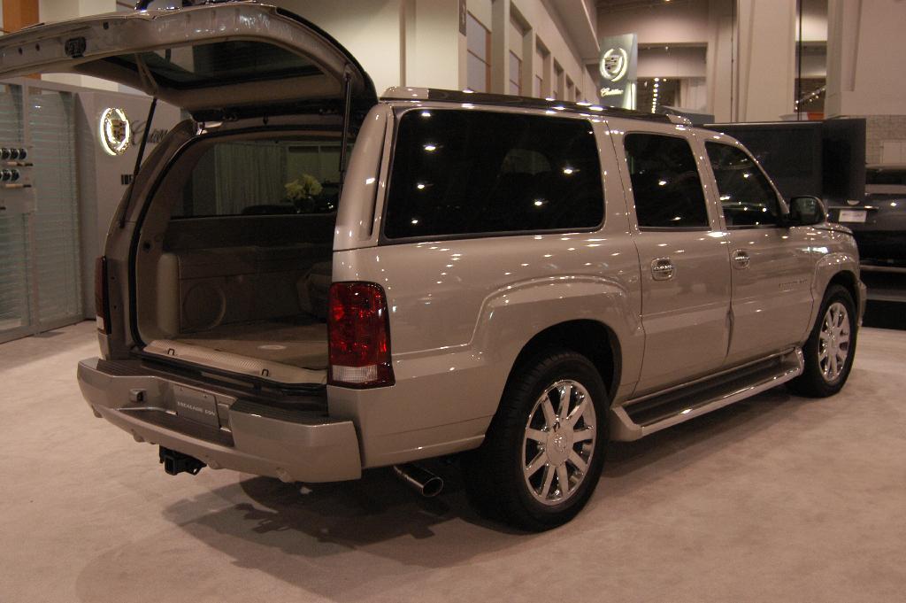 Cadillac Escalade Suv Dc Dv