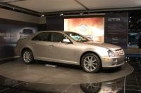 2005 Cadillac STS image.