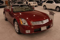 2005 Cadillac XLR image.