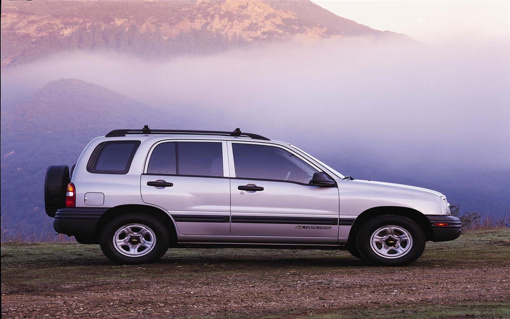 2000 Chevrolet Tracker History, Pictures, Value, Auction Sales, Research  and News