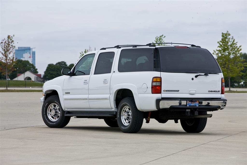 2002 chevrolet suburban pictures history value research. Black Bedroom Furniture Sets. Home Design Ideas
