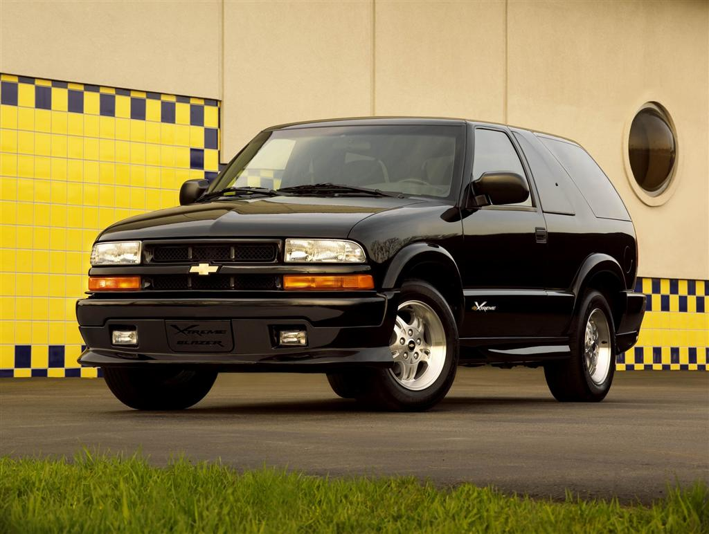 1990 Chevy K5 Blazer >> 2004 Chevrolet Blazer Pictures, History, Value, Research, News - conceptcarz.com