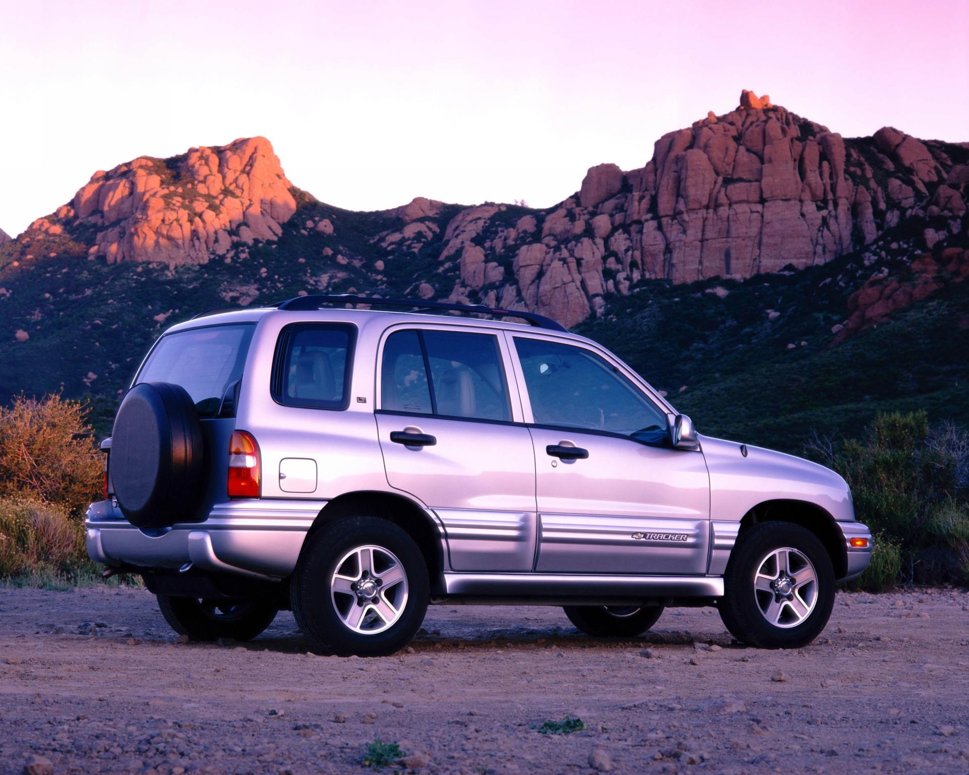 2004 Chevrolet Tracker History, Pictures, Value, Auction Sales, Research  and News