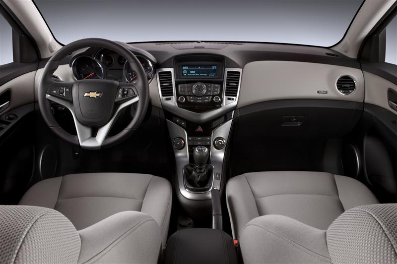 2011 chevrolet cruze eco image photo 2 of 11