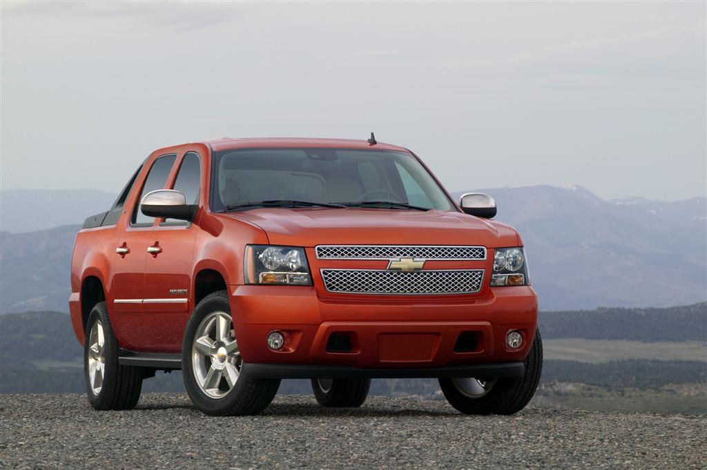 2011 chevrolet avalanche news and information. Black Bedroom Furniture Sets. Home Design Ideas