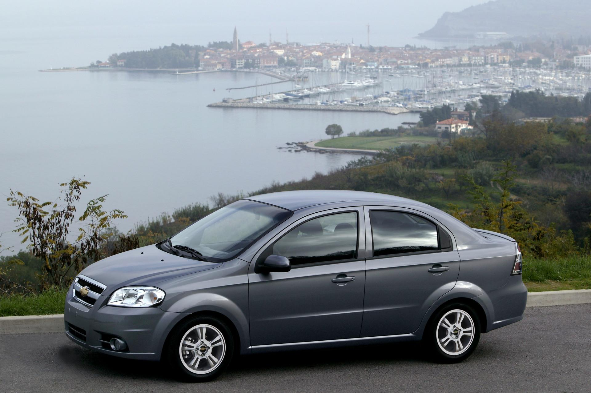 2011 chevrolet aveo news and information. Black Bedroom Furniture Sets. Home Design Ideas
