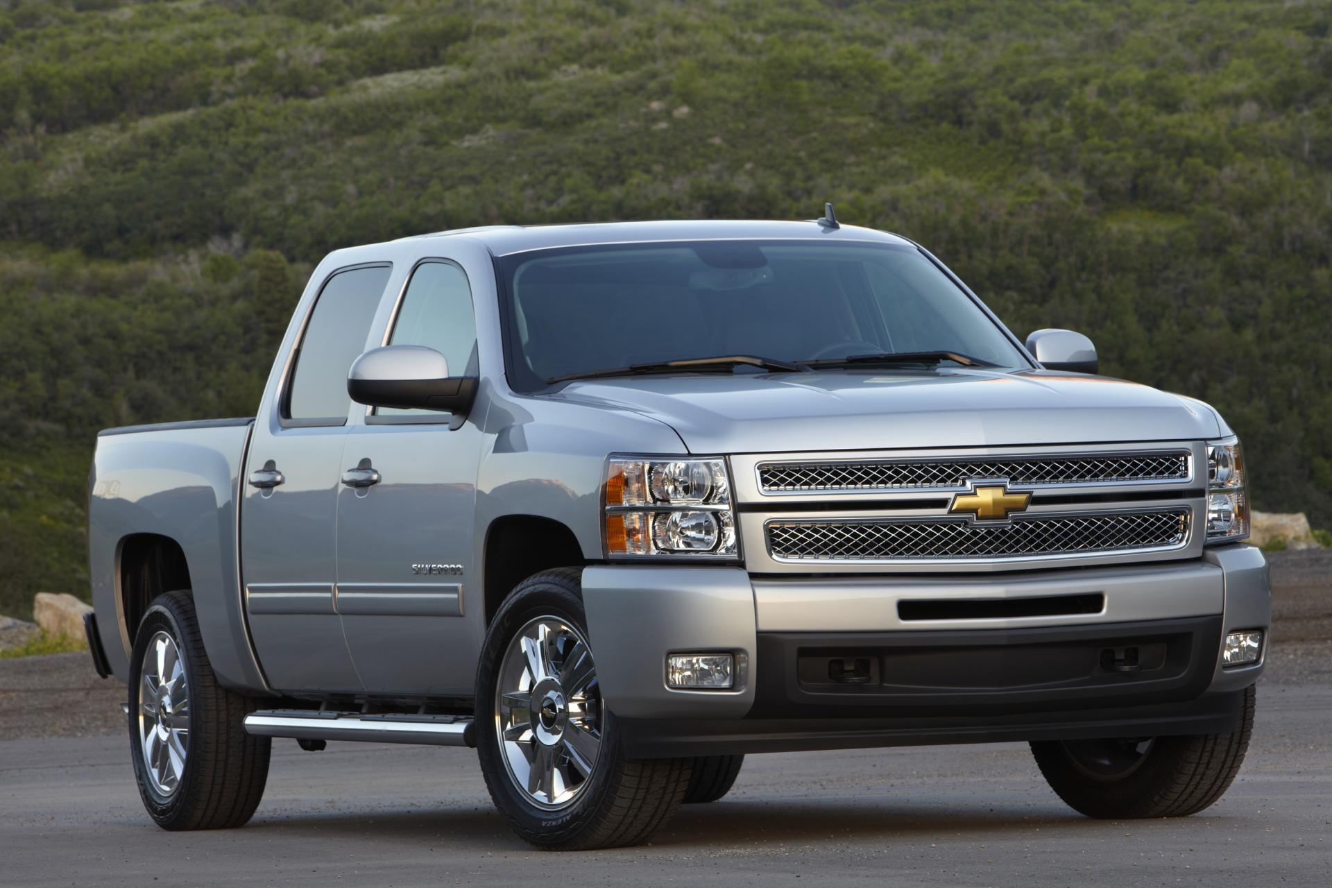 2012 Chevrolet Silverado News and Information